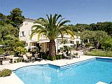 Chambres d'Hôtes Bed and Breakfast with pool, between Nice and Cannes