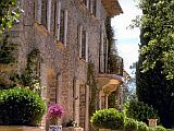 Chambres d'Hôtes Bed and Breakfast with pool in an 18th Century House in the Var