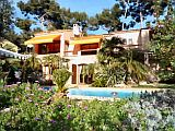 Health and Well-being Breaks in a B&B with heated pool near the beach in the Var