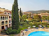 Apartments with pool between Saint Tropez and Cannes